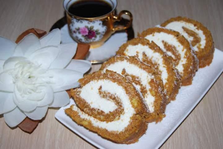 Rolada marchewkowa z serkiem mascarpone
