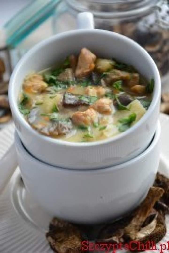 Zupa grzybowa z kurczakiem i musztardą