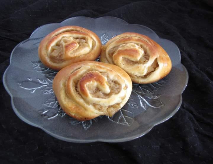 Drożdżówki – ślimaczki z nadzieniem jabłkowo-gruszkowym
