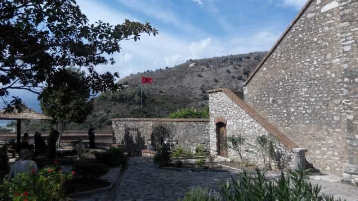 Wakacje w Albanii – Ksamil, Saranda i Butrint