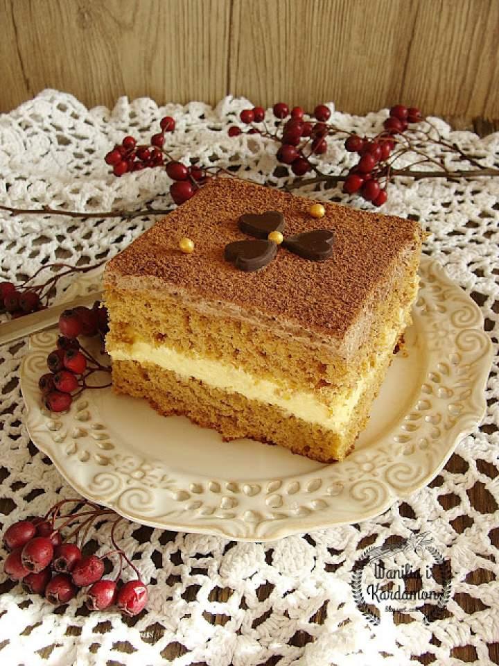 Ciasto krówka z miodowym kremem i czekoladową pianką