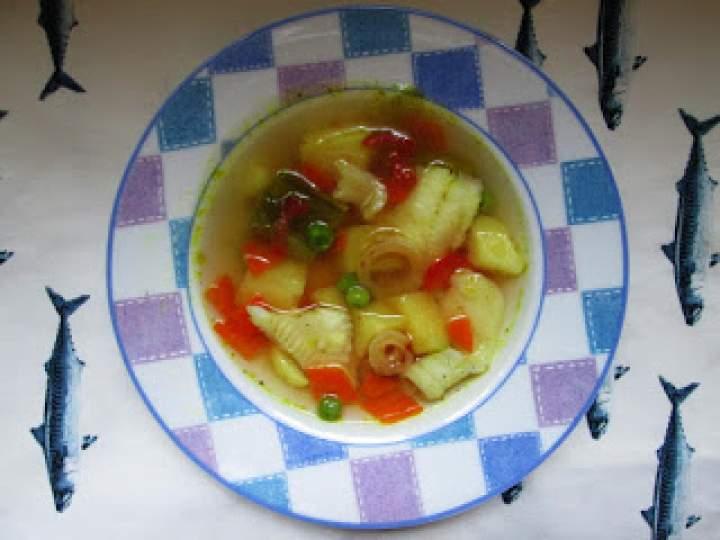 Zupa rybna z owocowej marynaty