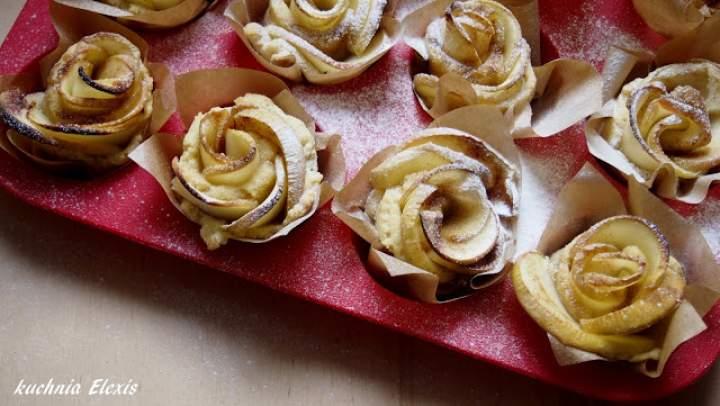 Jabłkowe róże w kruchym cieście
