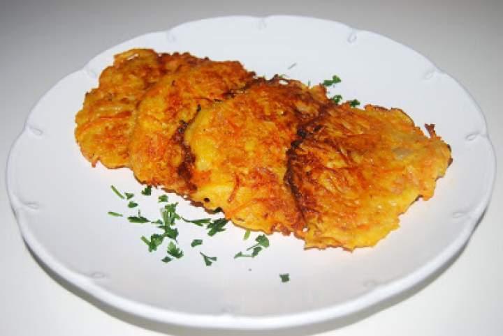 Placki ziemniaczane z marchewką i serem