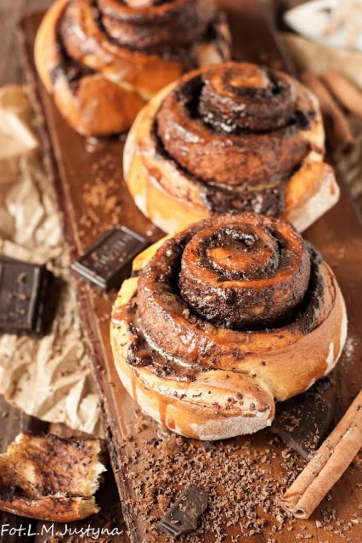 Bułeczki czekoladowo-cynamonowe
