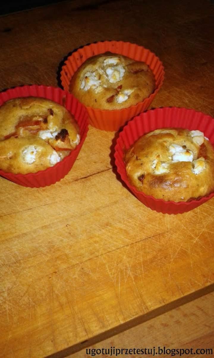 Muffinki z pomidorami i serem feta