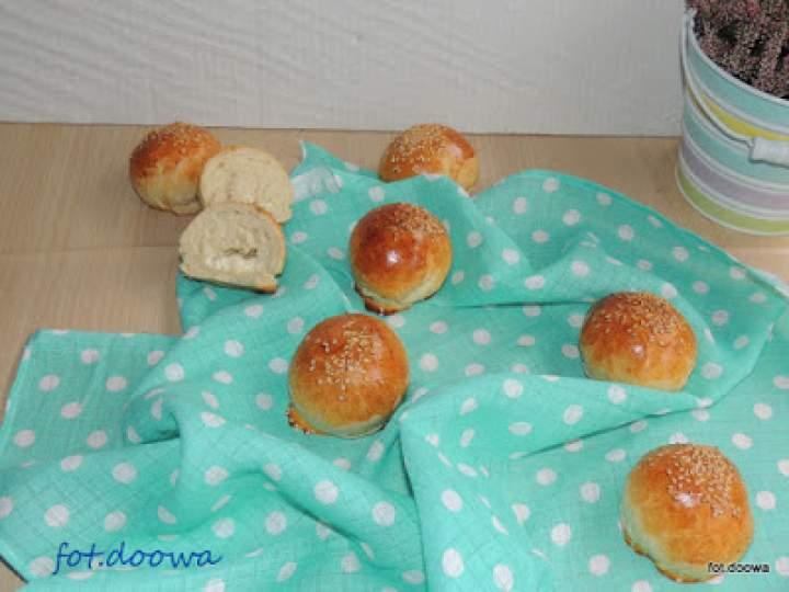 Śniadaniowe bułeczki z bryndzą