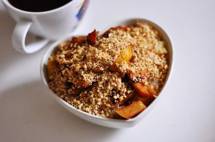 Owsianka z karmelizowanym jabłkiem i orzechami   dietetyczne śniadanie   sycące!