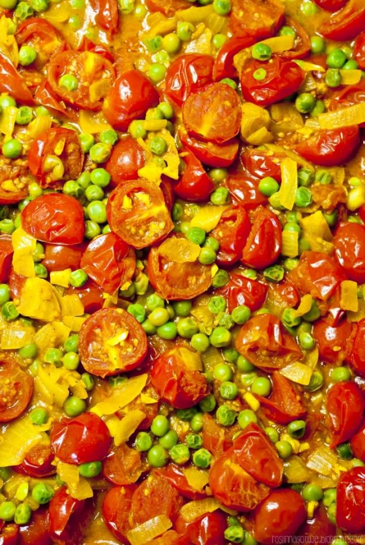 Pomidorowe curry z kokosowym ryżem