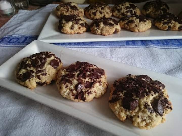 ciasteczka maślane z czekoladą i płatkami jęczmiennymi