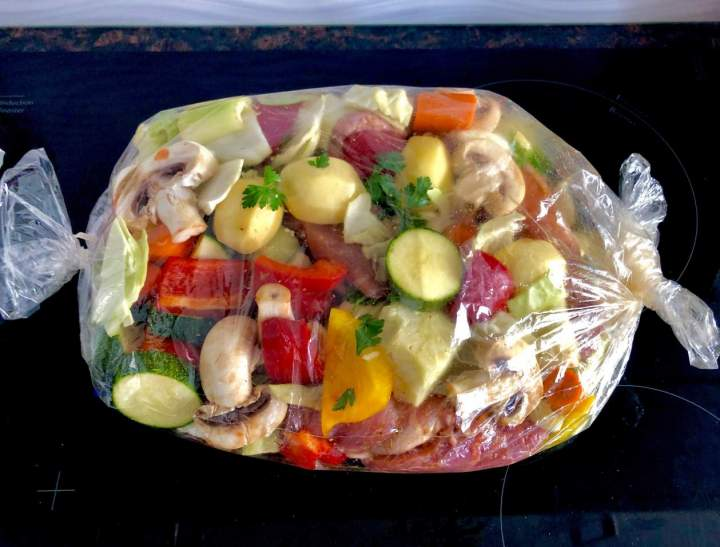 Łopatka wieprzowa pieczona z warzywami – bez tłuszczu