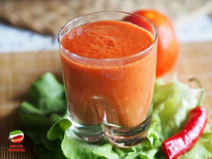 Smoothie pomidorowo-paprykowe z sałatą