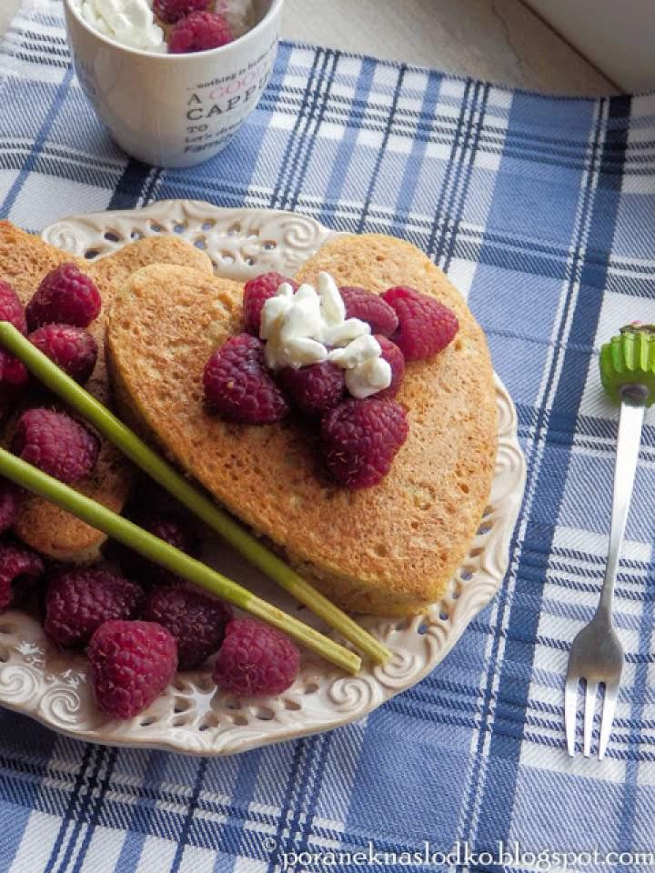 Herbaciane pancakes z ciecierzycy + Pocky!