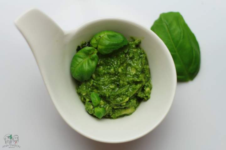 Pesto z bazylii