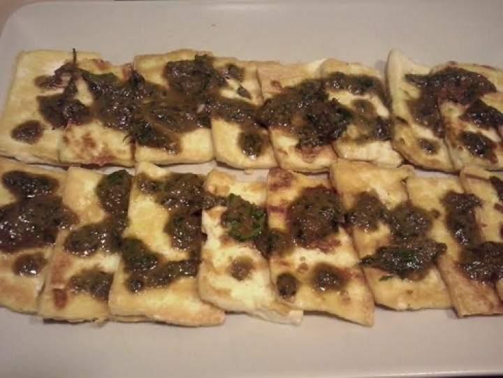 Grillowane tofu z sosem sojowo-ziołowym