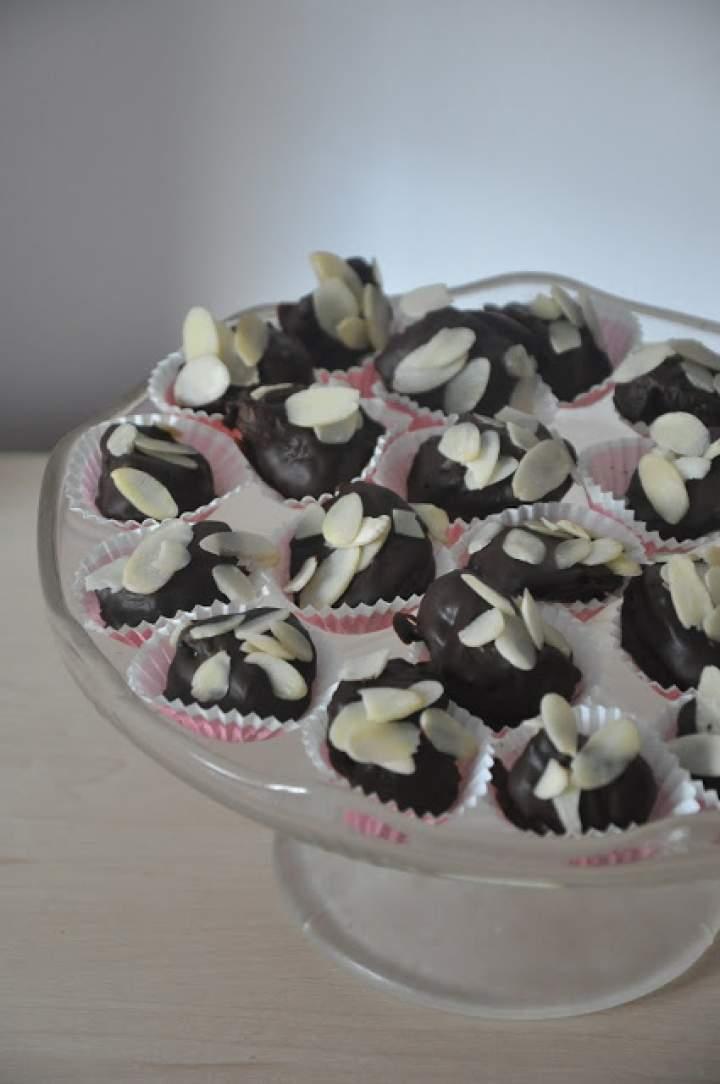 Najprostsze śliwki w czekoladzie