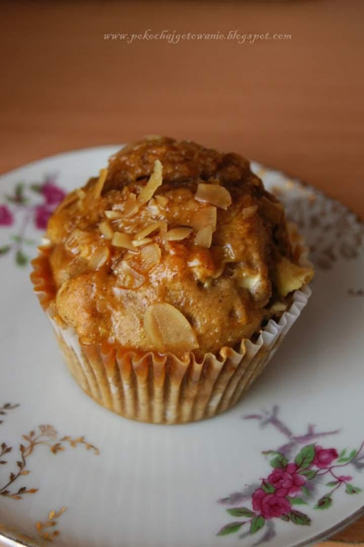 Jabłkowo-cynamonowe muffiny z migdałami