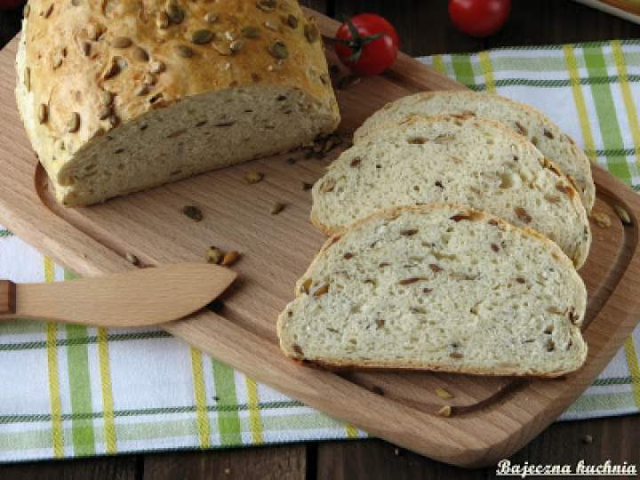 Chleb z prażonymi ziarnami