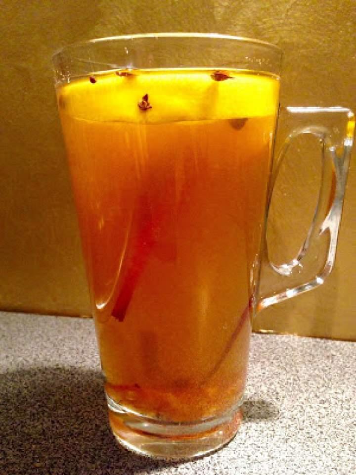 Herbata zimowa z imbirem, cynamonem i goździkami. Winter tea