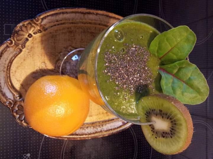 rukola + młody jęczmień + awokado + banan + pomarańcza + botwina + kiwi + chia
