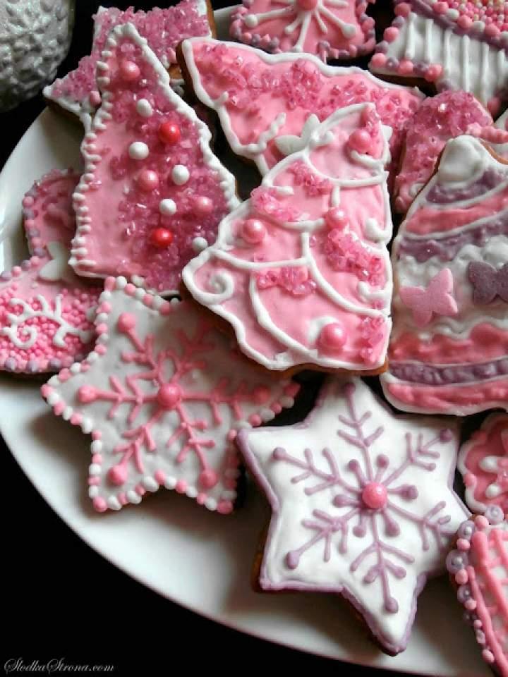 Różowe Pierniczki z Lukrem i Posypkami