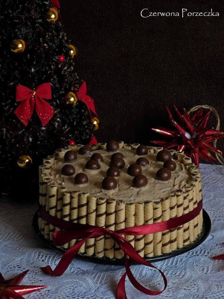 Tort kakaowo- wiśniowy z rurkami