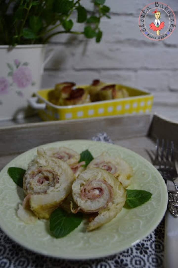 Roladki z mintaja z żółtym serem i szynką szwarcwaldzką