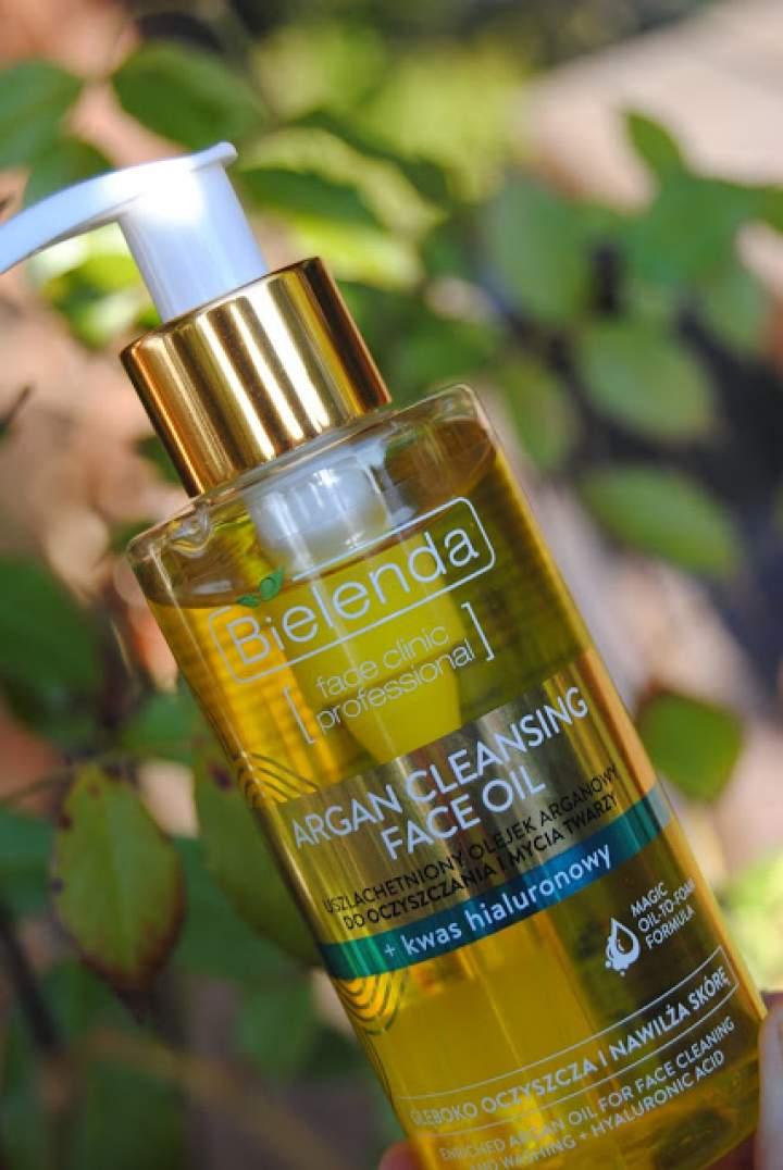 Olejek arganowy z kwasem hialuronowym- myjemy buźkę z Bielendą!