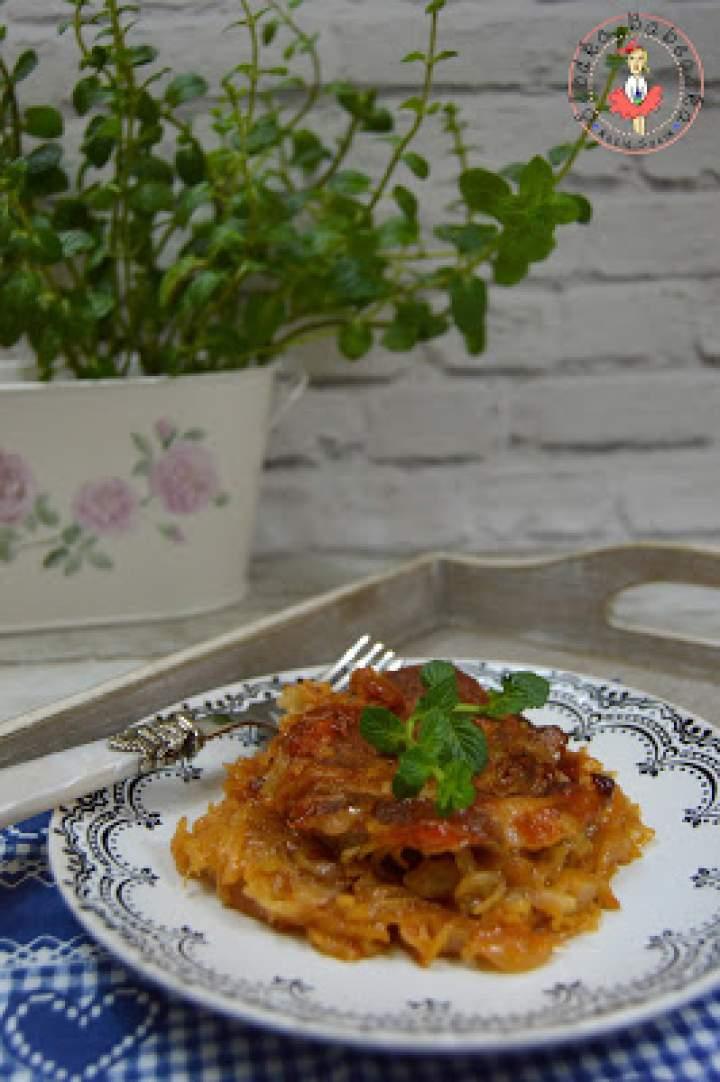 Karkówka pieczona w kapuście w sosie słodko-kwaśnym na pikantnie
