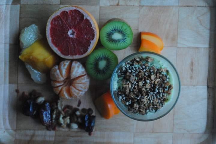 820. Mrożony koktajl kokosowo- waniliowy z awokado, pietruszki i gruszki