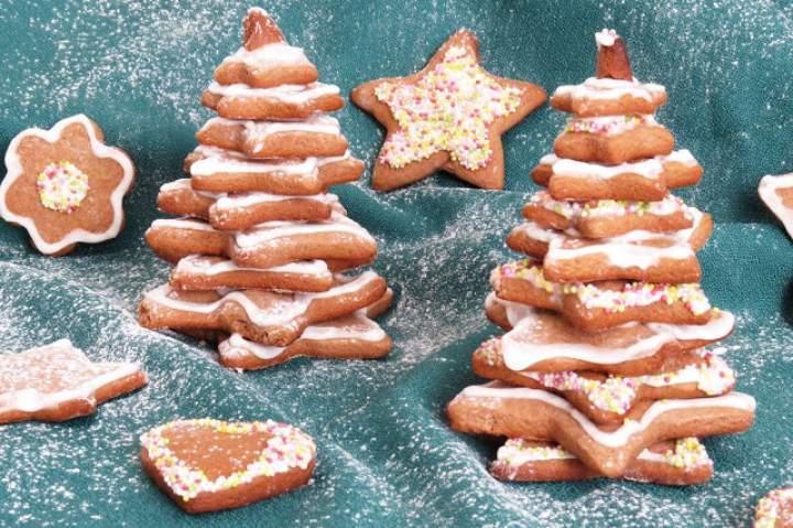 Szybkie pierniczki + choinki z pierniczków + lukier budyniowy (bez białek)