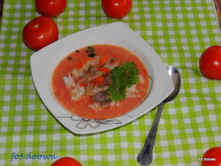 Pomidorowa na gęsi z ryżem i marchewką