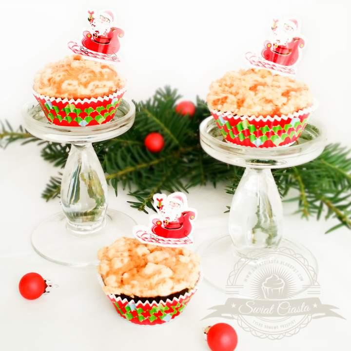 Muffiny z jabłkiem krówkami i kruszonką