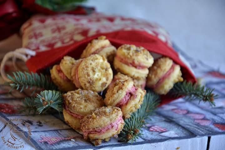 Ciasteczka orzechowo- truskawkowe
