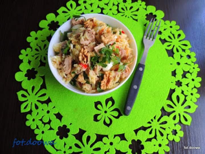 Sałatka z ryżu i tuńczyka