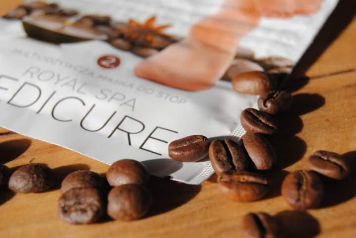 Kawa w roli głównej – SPA dla naszych stóp od Eveline Cosmetics