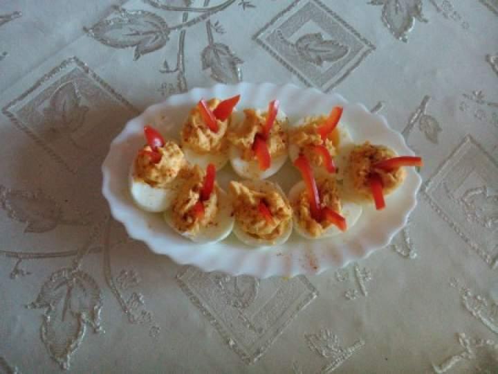 jajka faszerowane z paryką peperoni