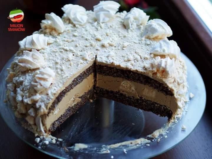 Tort kawowo-bezowy