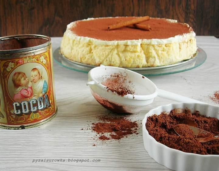 Sernik na spodzie z ciasteczek maślanych