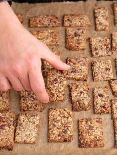 Bezglutenowe krakersy z ziaren