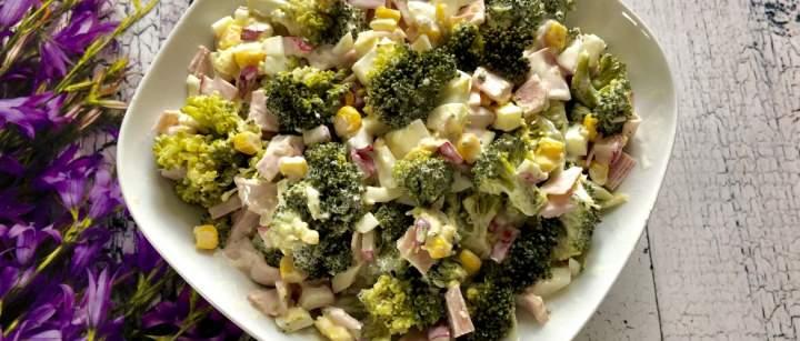 Sałatka brokułowa z pysznym sosem