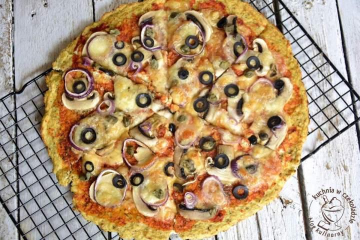 Pizza na kalafiorowym spodzie