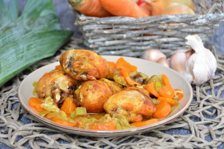 Pałki z kurczaka pieczone z warzywami rękawie