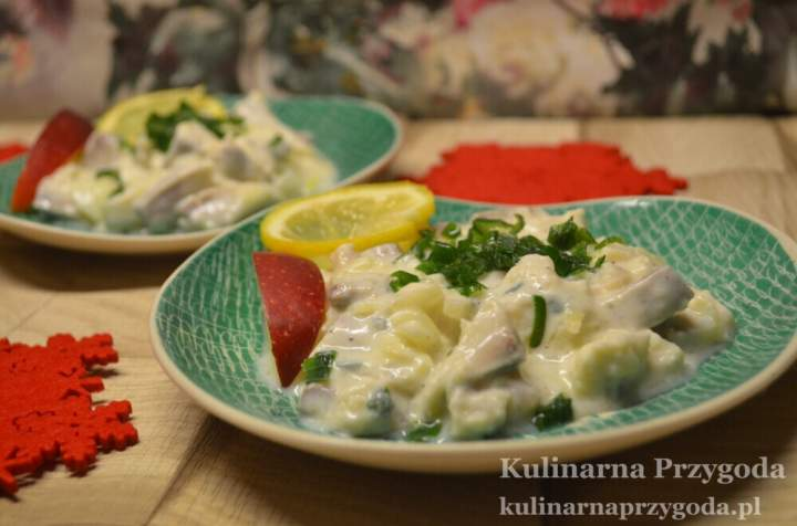 Smakowite śledziki w musztardowo-jogurtowo-miodowym sosie z cytryną i szczypiorkiem