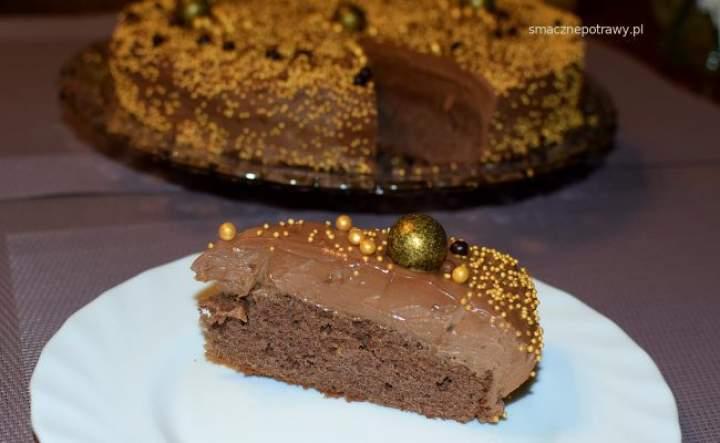 torcik czekoladowy z orzechami