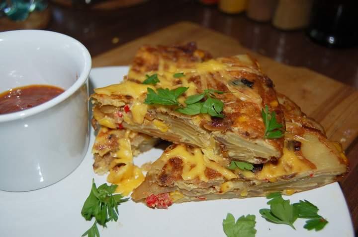 Hiszpańska tortilla ziemniaczana z kukurydzą