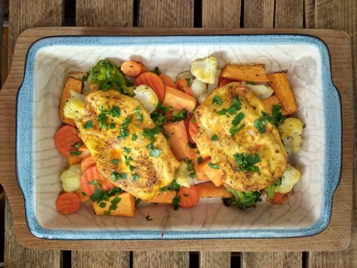 Kurczak zapiekany z warzywami i batatami