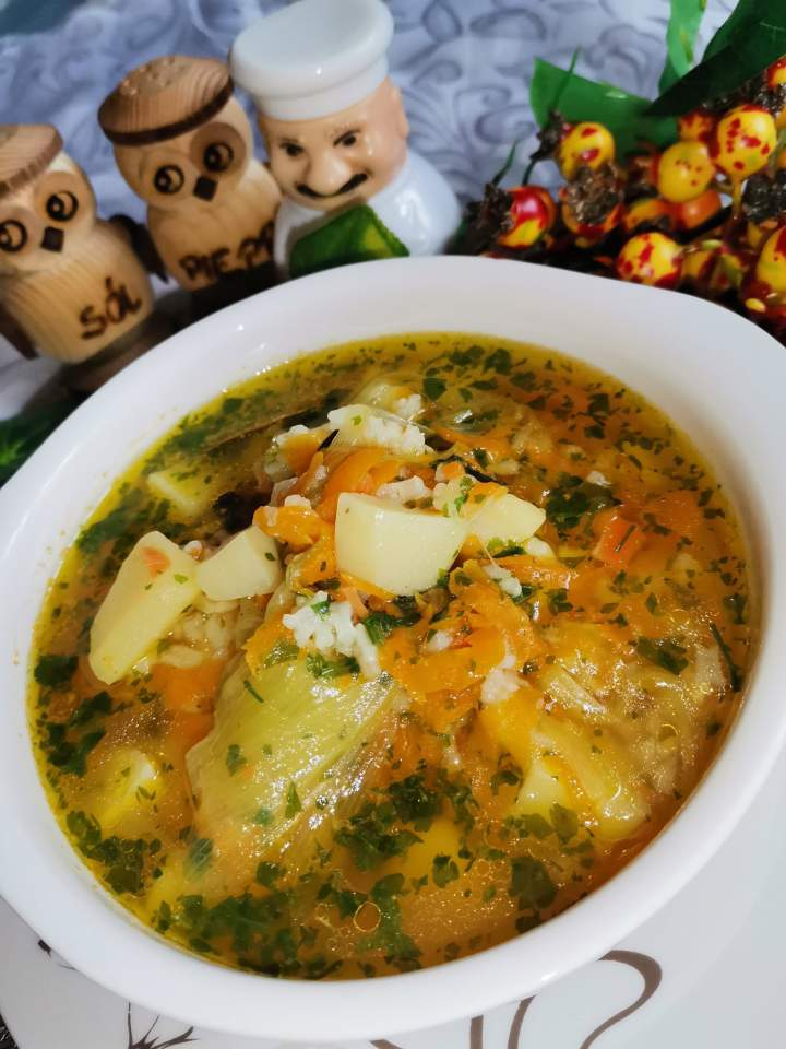 Zupa ziemniaczano – ryżowa z dużą ilością marchwi