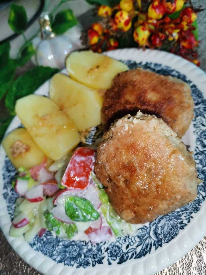Kotlety mielone z musztardą i majonezem