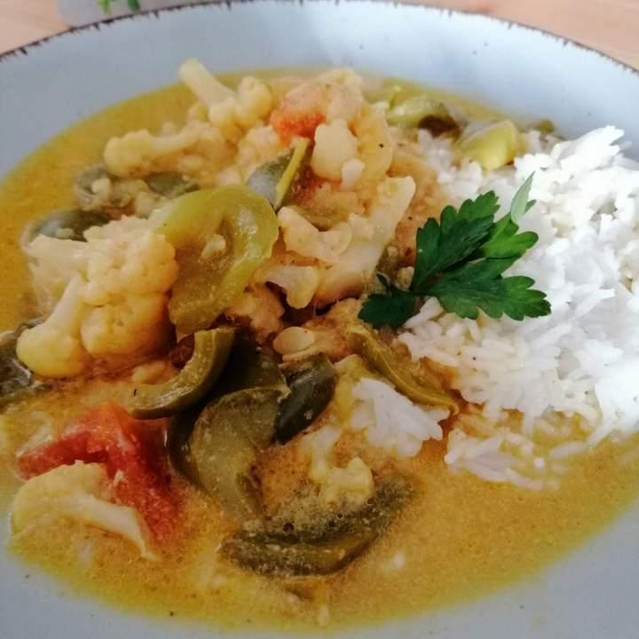 Warzywne curry z kokosową nutą
